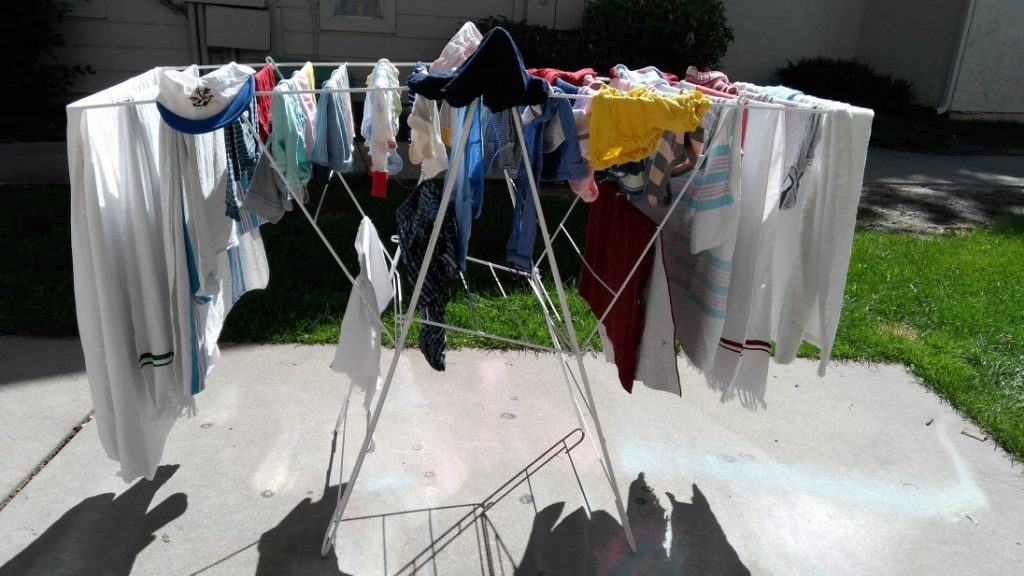 Advantages of having a clothes drying stand at home